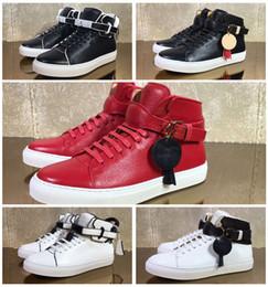 Compra Online Altos tops hombres 45-Marcas de diseño de lujo Top de cuero de vaca de los hombres de moda y las mujeres zapatos planos ocasionales cómodos zapatos de los altos zapatos de bloqueo de tamaño grande 35-45