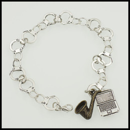Wholesale BBC Sherlock Holmes John Watson Johnlock handcuff charm bracelet tv inspirational new clasp fandom bracelet BF188