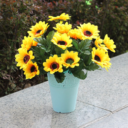Wholesale Sunflowers Simulation Artificial Display Flower Silk Cloth Material Yellow Home Party Flowers Plant Decoration Online Hot Selling