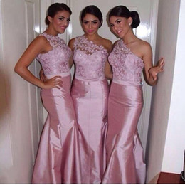 Wholesale Mermaid Bridesmaid Dresses One Shoulder Lace Appliqued Top Stain Floor Length Maid of Honor Dresses Wedding Party Gowns
