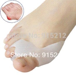 Wholesale Hot Silicone Gel Foot toe Separator amp thumb valgus protector amp Bunion adjuster bunion cushions adjust grill