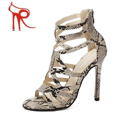 Wholesale 2016 summer is coming the new Rome style Europe Star with a snake skin stiletto shoes dress shoes