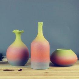 Multicolor gradient gommage émaillé à la main vase en céramique petite fleur rustique brève décoration moderne à partir de gommage main fabricateur