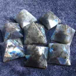 Wholesale Lucky stone labradorite pyramid decoration beautiful blue moonstone nunatak decoration energy mm mm