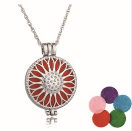 Wholesale Aromatherapy necklaces antique silver bronze censer stainless steel jewelry essential oil diffuser Hot perfume locket necklaces pendants