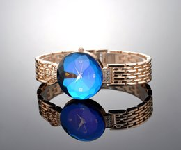 Wholesale Crown Alloy Scrap Quartz Retro Watches Ladies Watches Cheap Fashion Watch Crystal Watch New Bling Luxury Gift