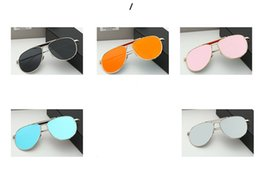 Wholesale The new sunglasses for men and women with color film reflective designer sunglasses couples toad star with the glasses Drive polarizer