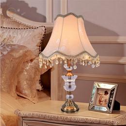 Mesa moderna habitación lámparas en venta-E27 * 40W 90 ~ 260V lámpara de cristal Contemporáneo y contratado CRYSTAL LÁMPARA DE MESA para el dormitorio