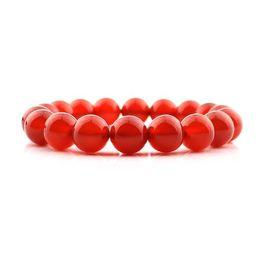 Красный браслет защита