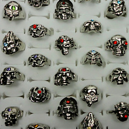 Wholesale Fashion Punk Rock Skull With Rhinestone Antique Silver Rings For Women Man Whole Jewelry Bulk Packs LR014