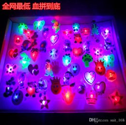 Wholesale Emitting toys children s finger lamp luminous gift ideas to spread the supply hot fun flash rings