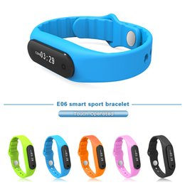 Wholesale Designer Touch Operated Smart Wristbands IP67 Waterproof Sports Smart Bracelet for IOS and Android Cell Phone E06