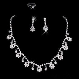 Wholesale 2017 New Cheap Silver plated Holy White Rhinestone Crystal Flower Earring Set Necklace Set Bridal Jewelry