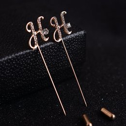 Korean version of the fashion H - letter brooch men 's vintage rhinestone pin - pin plug brooch suit sweater pins