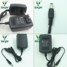 2017 12v ac chargeur 5pcs New Universal AC 100-240V US Plug Pour DC 12V 2A 24W Chargeur adaptateur d'alimentation pour LED Strips caméra de sécurité CCTV 12v ac chargeur ventes