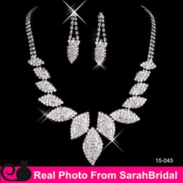 Wholesale Cheap Girls Studs - Artificial Cheap Wedding Bridal Jewelry Necklace and Chandelier Stud Earring Sets for Quinceanera Women Sweet 16 Girls Prom Dress Accessory