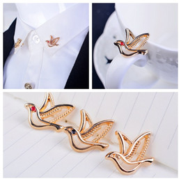 Bird brooch Pigeon Brooches Angle buckle collar shirt Western shirts and blouses Accessories Fashion Corsage Alloy Unisex
