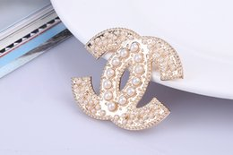 Wholesale YY436 European and American trade fashion new jewelry brooch wild Y500 factory direct alloy brooch letters