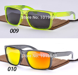 Wholesale Brand Holbrook sunglasses polarized sunglasses best sports men and women drivers Rossi VR46 goggles Shaun White Signature models