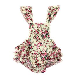 Wholesale Vintage Summer Woven Floral Baby Bubble Romper Flutter Sleeve Ruffle Baby Girls Playsuit Backless Cross Romper Baby Cltohes