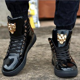 New Fashion High Top Casual Shoes For Men PU Leather Lace Up Red White Black Color Mens Casual Shoes Men High Top Shoes Retail