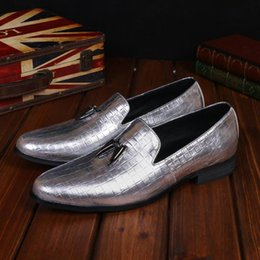 Hot Selling Luxury Mens Silver Leisure Leather Shoes Fashion Mens Slip On Dress Shoes Snake Pattern Round Toe Boat Shoes