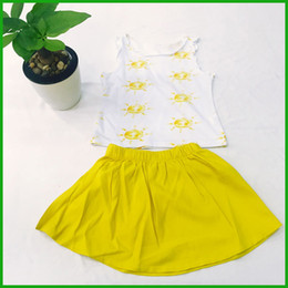 fashion baby girls dresses suits sleeveless flover yellow t-shirts vest solid mini vestidos children clothes set free shipping