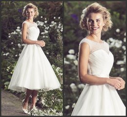 Wholesale Little Snow White Pearls With Neckline Wedding Dresses Sleeveless Tea Length Simple Inexpensive Fit Every One