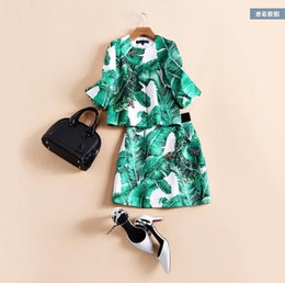 Wholesale Europe and the United States women s new autumn Runway looks banana leaf printed jacquard skirt short coat two piece outfit
