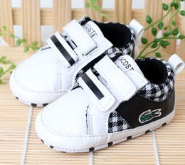Wholesale Fashion Baby boys Shoes White Color Crocodile Popular Infant Toddler Shoes Age Month First Walker Shoes