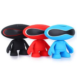Wholesale Q30A Rugby Football Doll Speakers Bluetooth Wireless Pill Speaker LED Light Alien Portable Mini Subwoofer Audio Amplifier Hi fi Speakers