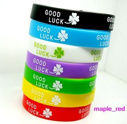 100pcs lot mixed Colors Good Luck Clover Silicone Rubber Elastic Bracelet Wrist Band for Women Men Fashion Jewelry Bangle
