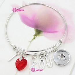 Nouvelle Arrivée Interchangeable coeur de cristal rouge Lettre initiale I LOVE YOU Charms fil extensible 18mm Snaps Bangles Bracelets pour Valentine à partir de bracelets de charme initiales fabricateur
