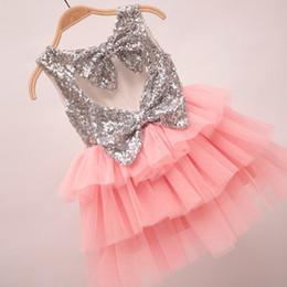 Descuento faldas para las muchachas de los niños 2017 niños de las muchachas del verano vestido de lentejuelas corazón mariposa grande Vestidos El nudo de los niños falda Vestidos fiesta de Navidad del bebé de los niños del vestido de la princesa