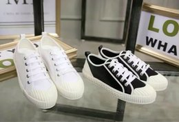 Wholesale superior quality white shoes fabric leather with canvas lined sheepskin casual shoes stepping young artists