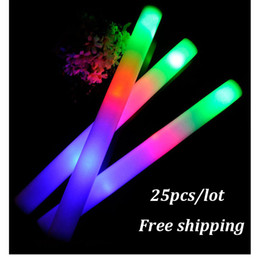 2017 flan de mousse led 25 pcs / lot LED Foam Stick Batons clignotants colorés 48cm Rouge Green Blue Light-Up Stick Festival Party Décoration Concert Prop Bar peu coûteux flan de mousse led
