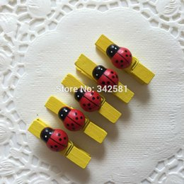 Wholesale 10PCS Ladybug Wooden Mini Clips Pegs Photo Post Card Memo Note Clothes Pins For Baby Shower