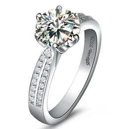 Luxury 925 Sterling Silver 2 Ct Hybrid Simulated Diamond Ring for Women Engagement Ring for Women Bridal Gift for Girl