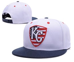 2016 sombreros de los deportes de la ciudad Los nuevos Royals de Kansas City del estilo cupieron los sombreros con la letra bordada KC El equipo de deportes del béisbol de las mujeres tapó los casquillos llenos en la orden de la mezcla del campo Accpeted barato sombreros de los deportes de la ciudad