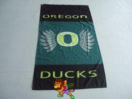 University of Oregon Flag With Stars and Stripes NCAA Flag 3x5 ft custom Banner 90x150cm Sport flag brass metal holes