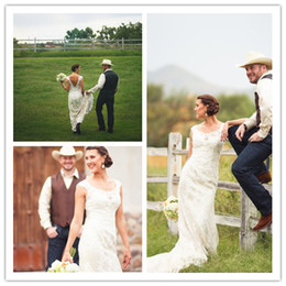 Vintage Country Wedding Dresses Portrait Lace Gowns Open Backless Lace Wedding Gowns Applique robe de mariee Rustic Bridal Dresses Boots