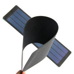Горячие Продажа 12PCS / Lot 2W 6V Гибкая панель солнечных батарей кремния аморфный Складная солнечных батарей DIY Солнечное зарядное устройство Водонепроницаемый Бесплатная доставка flexible solar panel for sale от Поставщики flexible solar panel