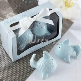 Wholesale Sets So Beautiful and Cute Kissing Fish Salt Pepper Shakers Wedding Gifts Bridal Shower Party Supplies Decor Ideas
