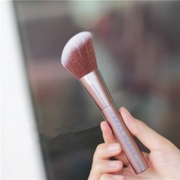 Wholesale nude makeup brush Best Service and High Quality Blurring Brush U brand D for woman beauty branded makeup tools