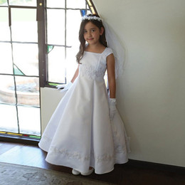 Vintage Princess Satin Flower Girls Dresses Square Neck Cap Sleeves Appliques Ruched Ankle Length First Communion Dresses Christening Dress