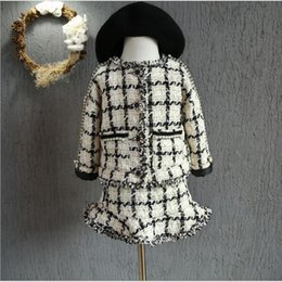Wholesale Fashion Babies Christmas Sets Baby Girl Plaid Pearl Jackets with Mini Skirts Children s Autumn Winter Xmas outfits