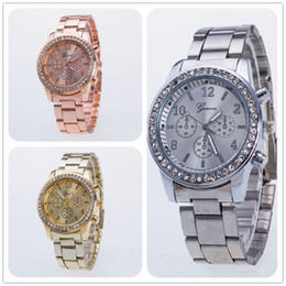 Wholesale female Geneva metal watch metal watch fashion luxury lady dress quartz diamond simulation gift men's watch 3 colors
