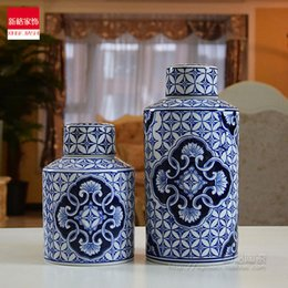 Wholesale Blue and white porcelain jar set coins classical decoration ware decoration art cylindrical European style living room table