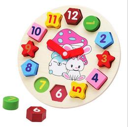 Descuento reloj digital de la geometría Forma libre del envío de los juguetes de madera de los bloques huecos del reloj para los niños Juguetes de la educación Juguetes del cabrito del reloj de la geometría de Digitaces
