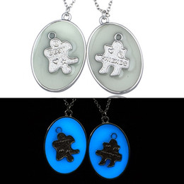 Wholesale Blue green luminous enamel necklace pendant fashion a pair of Valentine gift ideas necklace Ms spring and summer